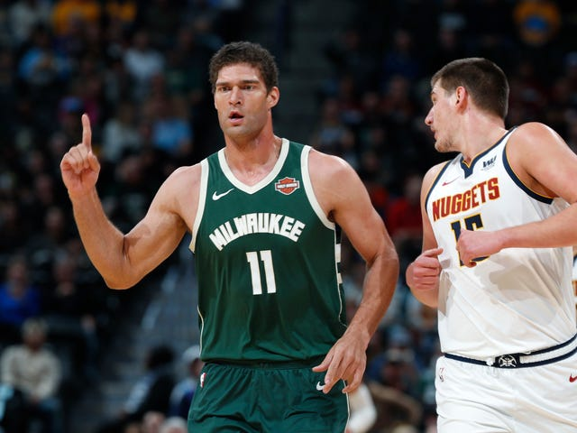 Brook Lopez Is Keeping His Résumé Fresh, Learning New Skills, Banging Eight Threes