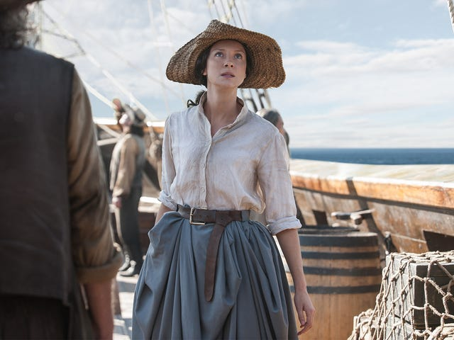 """<a href=https://www.avclub.com/outlander-boards-a-ship-to-put-claire-and-jamie-s-relat-1820376539&xid=17259,1500002,15700019,15700186,15700191,15700256,15700259,15700261 data-id="""""""" onclick=""""window.ga('send', 'event', 'Permalink page click', 'Permalink page click - post header', 'standard');""""><i>Outlander</i> styrer et skip for å sette Claire og Jamies forholdsproblemer på pause</a>"""