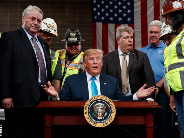 Trump Menandatangani Lebih Banyak Pesanan Eksekutif untuk Projek Paip Pusheline Melalui Semua Kos
