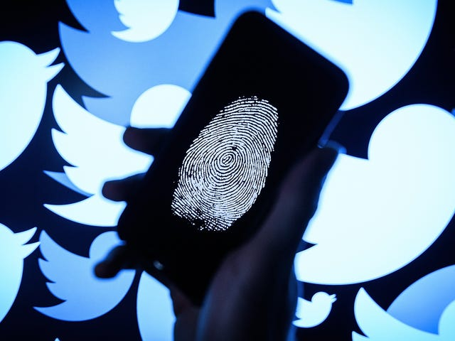 Guccifer 2.0 and DCLeaks Booted From Twitter Following Mueller Indictments