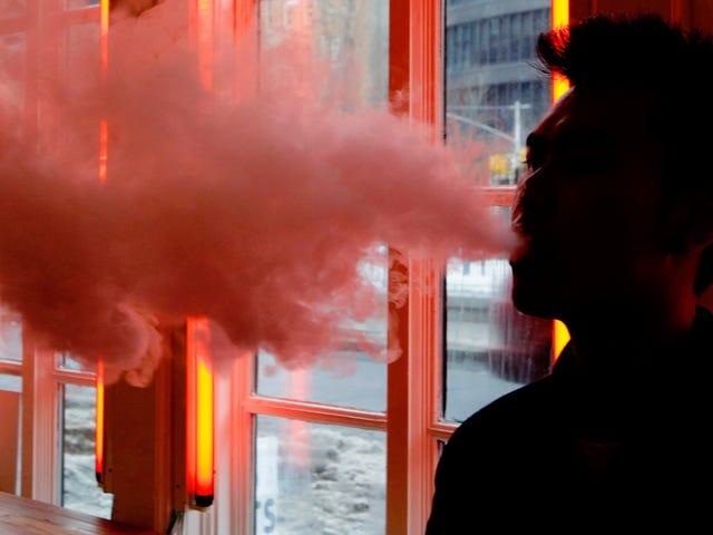 एफडीए, बरामदगी की 127 घटनाओं की जांच कर रहा है संभवतः ई-सिगरेट के उपयोग से जुड़ा हुआ है