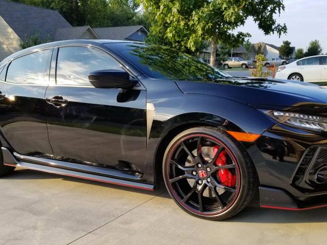 Κάποιος ήδη θέλει να συμμετάσχει με τους φτωχούς 2017 Honda Civic Type R Για $ 55.000