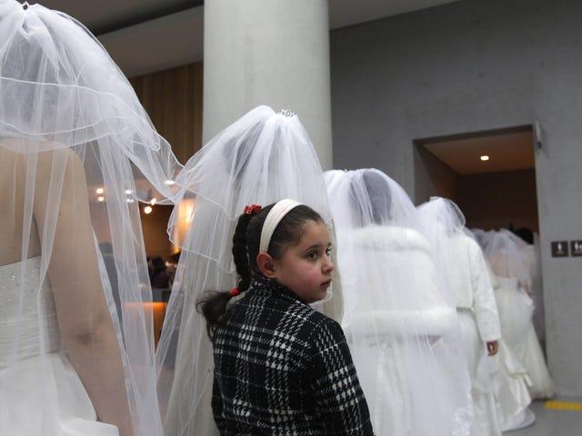 Çocukluğundan Beri Düğün Yapamayan Cesur Kadınlar Yine de Evlenirler