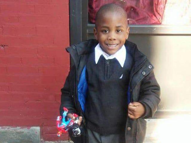 NY enquêtant sur le décès d'un enfant de six ans couvert de bleus