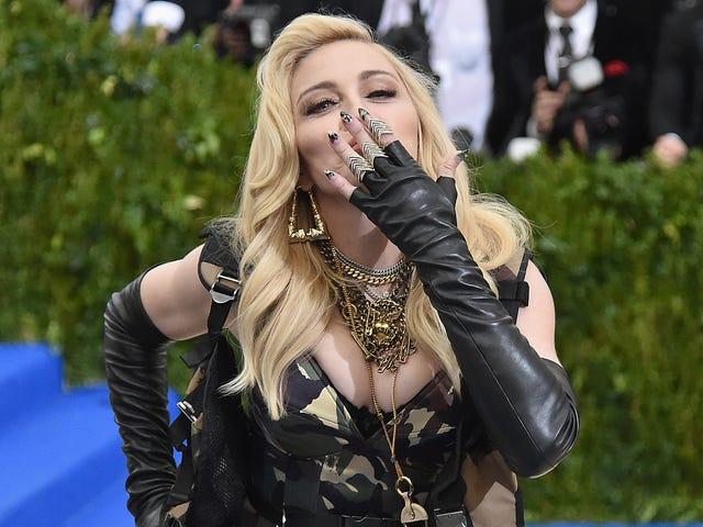 Okay, Mungkin Madonna Tidak Mendapat Implan Butt