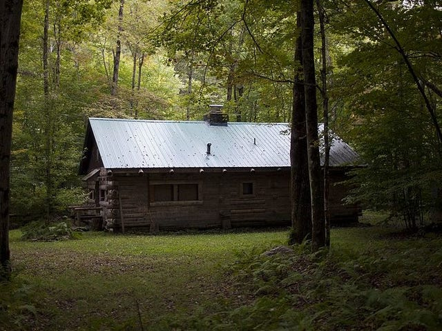Gather round for the chilling story of the guy freaking himself the fuck out in a cabin