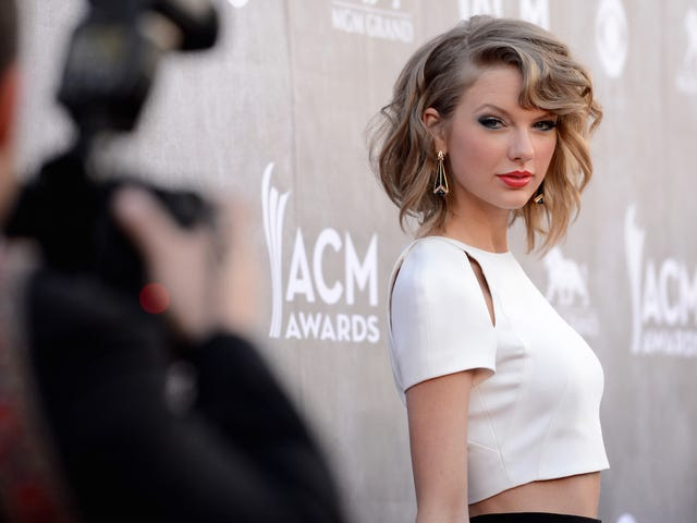 Judge Dismisses Taylor Swift Lawsuit While Pouring the Burn Sauce