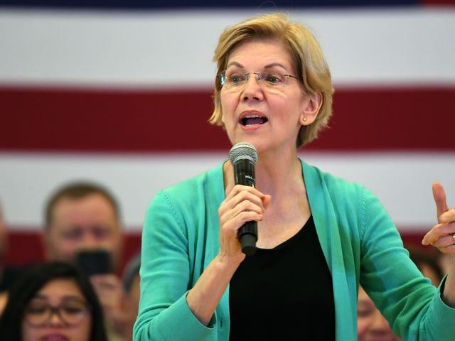 Elizabeth Warren Also Has a Selfie Plan, Naturally