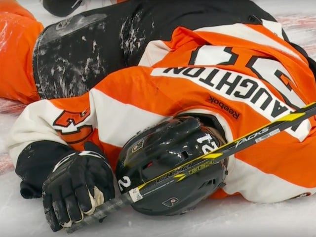 Scott Laughton Stretched Off Ο πάγος μετά από να χτυπήσει σε πίνακες με το κεφάλι του (UPDATE)