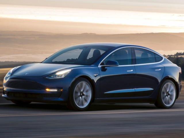 """Tesla Misses Model 3 Cel produkcyjny ponad """"wąskie gardło w produkcji"""""""