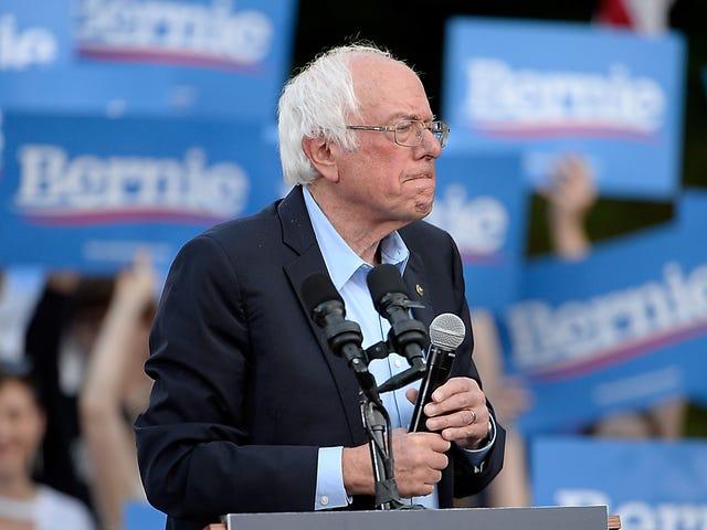 """Quanto ancora tempo Bernie Sanders ha bisogno di """"pensare"""" alla depenalizzazione del lavoro sessuale?"""