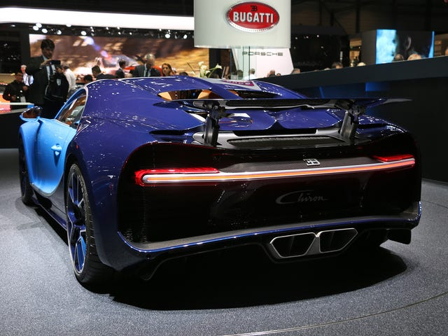 Here's Why The Bugatti Chiron Can Have A Single Strip Of LEDs As A Tail Light
