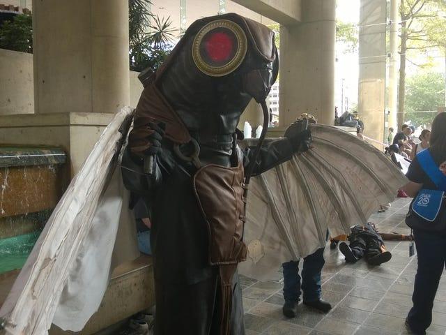 Bioshock Infinite Songbird Cosplay