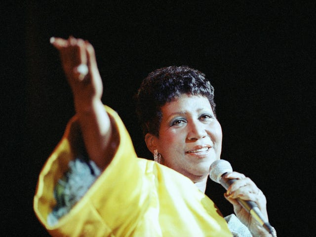 The Queen of Soul Reigns Supreme: Our Top 6 Aretha Franklin Live Performances