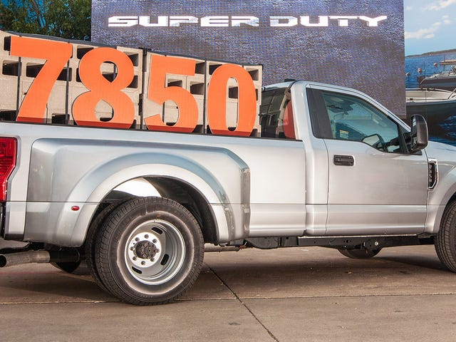 Voici comment utiliser réellement les spécifications de capacité ridicules de la nouvelle Ford Super Duty