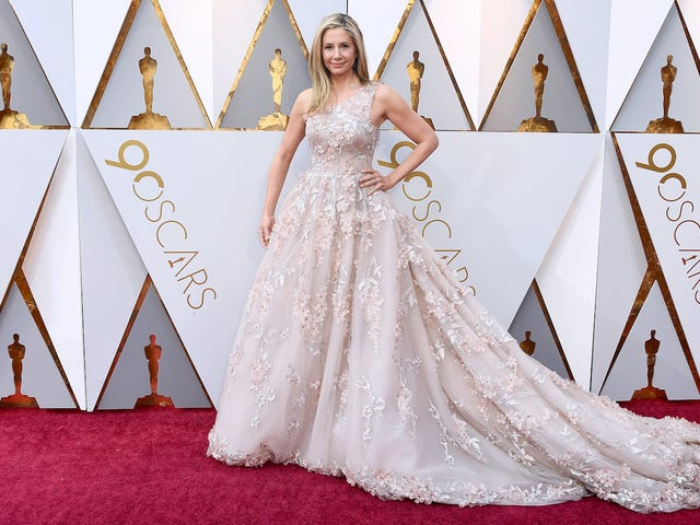 Every Froufy Gown and Cursed Image From the 90th Annual Academy Awards Red Carpet