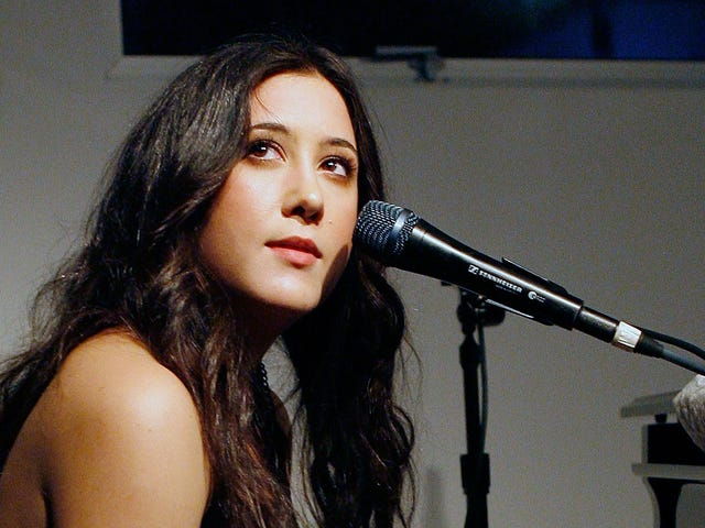 Vanessa Carlton Would Walk a Thousand Miles to Get Neil Portnow to Step Down From The Recording Academy