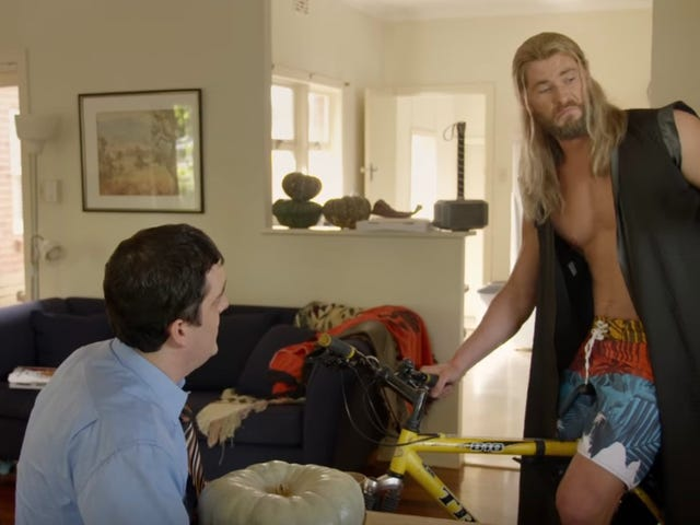Video Evidence That Thor's Roommate Darryl Survived <i>Avengers: Infinity War</i>