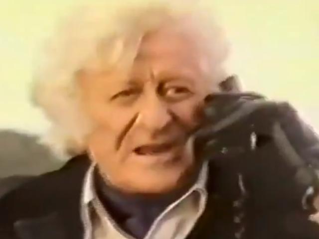 Jon Pertwee bytter sin TARDIS til en meget fremtrædende telefonboks i denne Retro tv-annonce