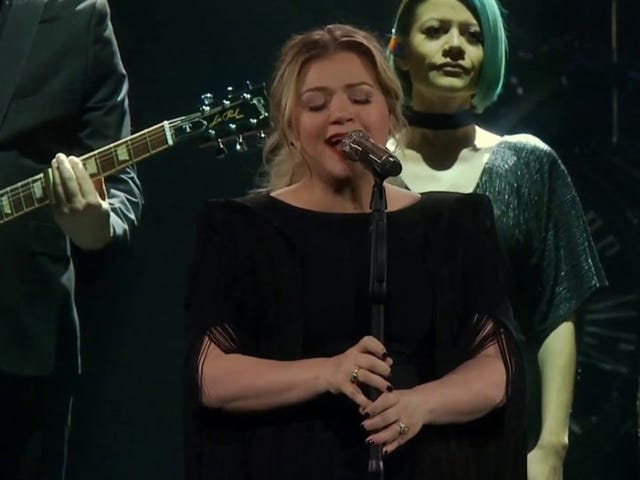Please Enjoy This Video of Kelly Clarkson Covering 'Shallow'