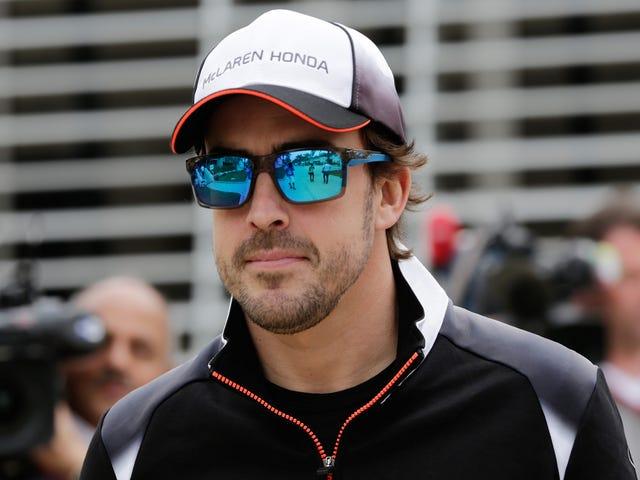 Katso Fernando Alonso Laita TV-kommentoija Johnny Herbert paikalleen
