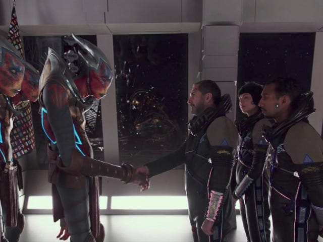 Watch an Intergalactic Society Evolve in the Mindblowing Opening Scene of Valerian