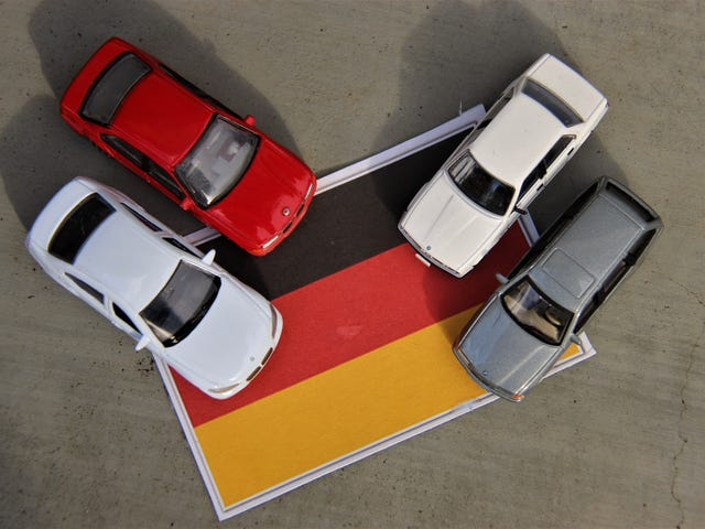 Teutonic Tuesday: Toys vs. Models, 3 Series Edition