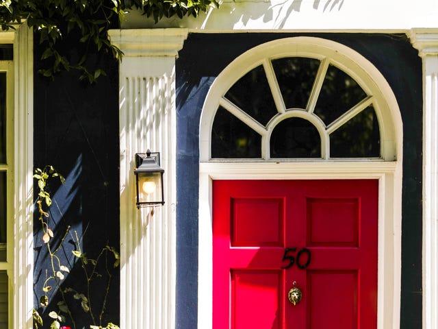 วิธี Spruce ทางเข้าบ้านของคุณน้อยกว่า $ 100