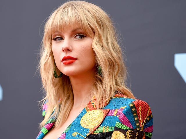 Taylor Swift Threatened Legal Action Against Microsoft Over Racist and Genocidal Chatbot Tay