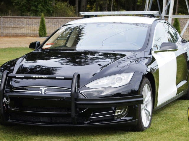 Cảnh sát Fremont đã thay thế một bộ sạc Dodge cũ bằng một chiếc xe Tesla Cop