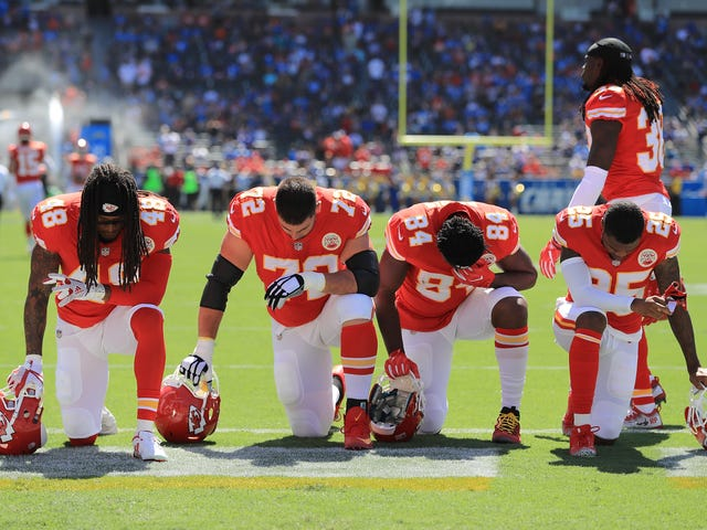 That Sneaky NFL National Anthem Rule Change—and What Legal Challenges It Presents, Explained