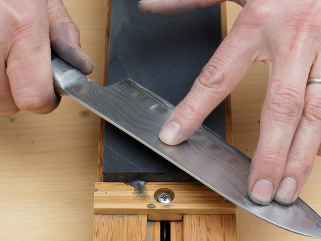 Knife Sharpening Tip From a Master Bladesmith: Apply Adequate Pressure