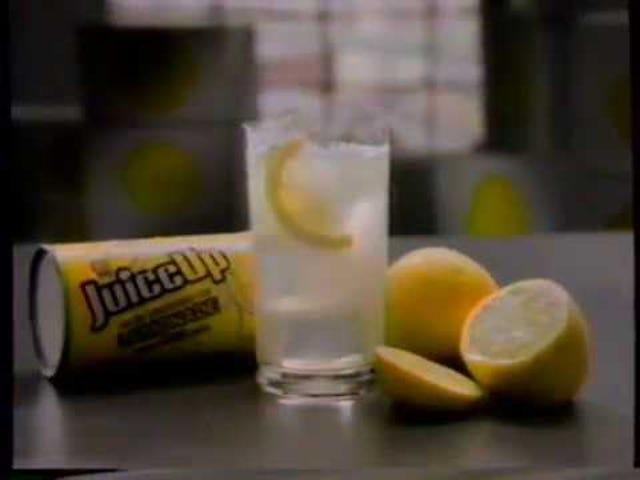 柠檬水,那种清凉爽口的饮料