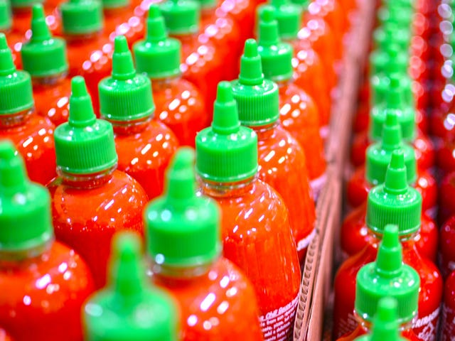 Sriracha recipe in flux thanks to split with pepper grower