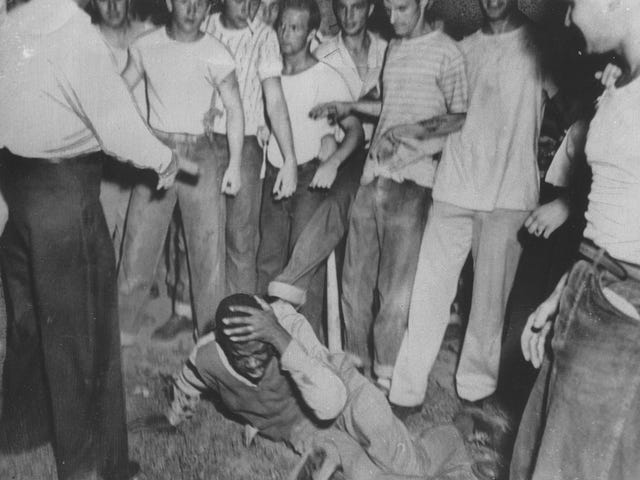 American Lynching: 4,000 Unpunished Crimes