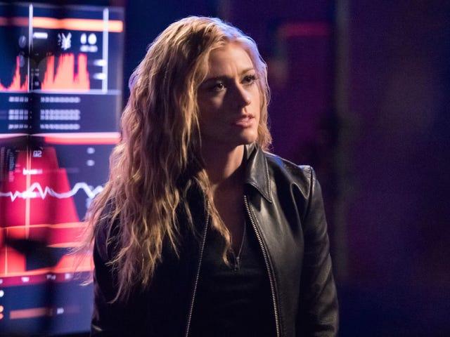 Para wanita Arrow mungkin mendapatkan spin-off futuristik mereka sendiri