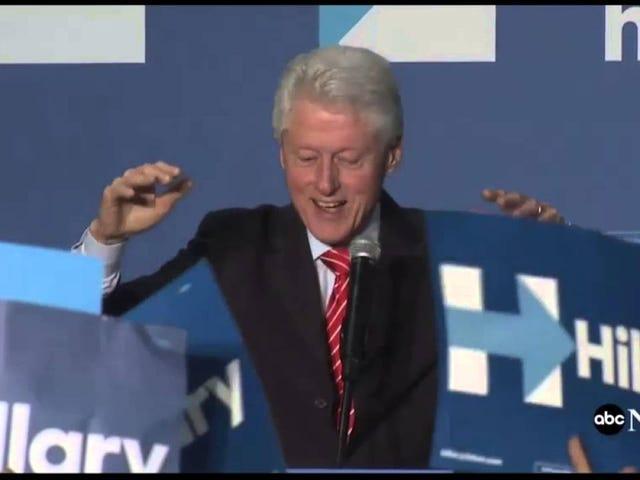 Hillary Clinton borde sluta att låta den här gammala mannen prata för henne
