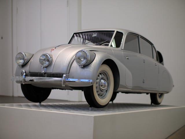 Doskonały 1937 Tatra T87 znajduje się w muzeum sztuki Pinakothek der Moderne w Monachium.  Jak mój kolega Jason jasno dał do zrozumienia, to ...
