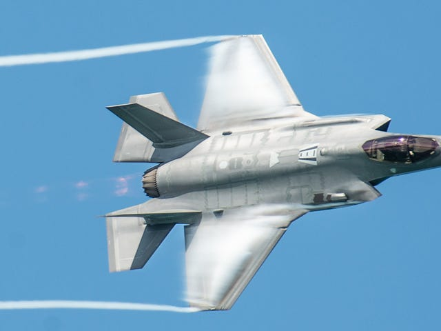 The F-35 Could Reportedly Break Itself if it Goes Too Fast, And Other F-35 Problems