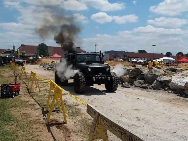 Kolla in den här Wild Steam Powered Jeep Wrangler 6x6 till salu