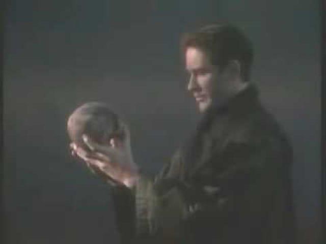 Dear Beloved Nerd Actors: Please Go Right On Doing More Hamlet