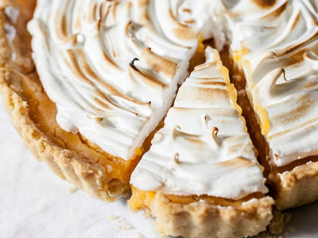 Weigh Down Your Pie Crusts With Sugar