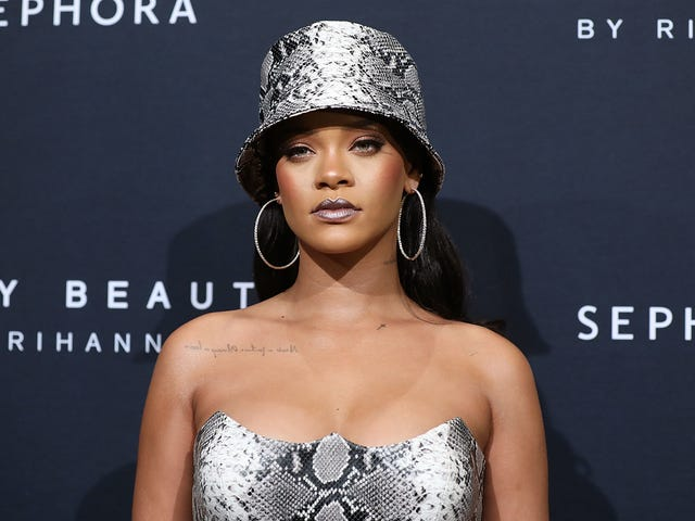 Birthday Beauty: Rihanna Celebrates Fenty Beauty's 1st Year With a New Dropand aRetro Look