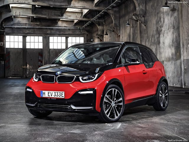 Электрическая стратегия BMW не имеет смысла