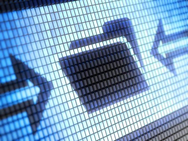 मैं व्यक्तिगत बैकअप के लिए अपने सभी ईमेल कैसे बचा सकता हूं?