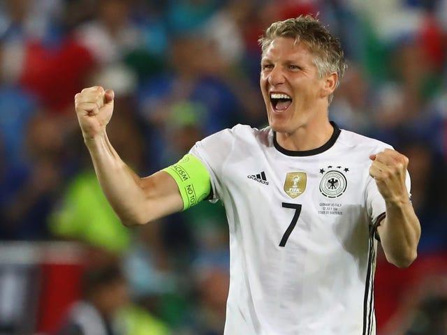 Bastian Schweinsteiger Menjadi Pria Tua Terbaru Untuk Memimpin MLS