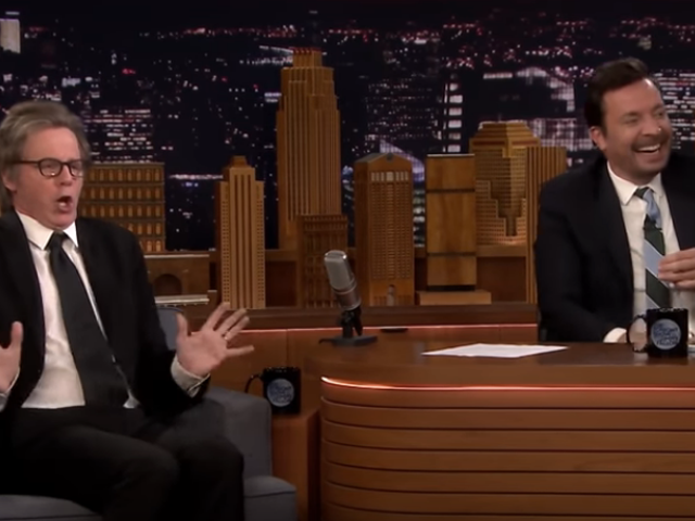 Dana Carvey and Jimmy Fallon play dueling Trumps on The Tonight Show