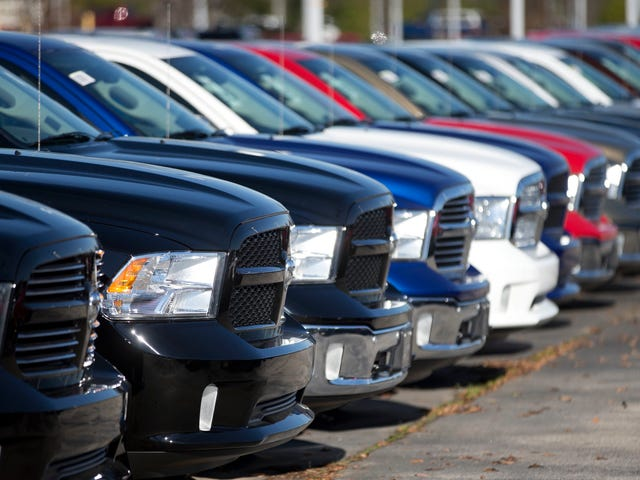 Les prêts automobiles de 84 mois deviennent plus courants parce que les gens ne peuvent pas arrêter d'acheter des camions