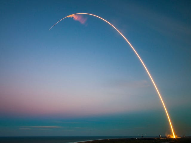 6 cột mốc tiếp theo trong cuộc đua không gian thương mại