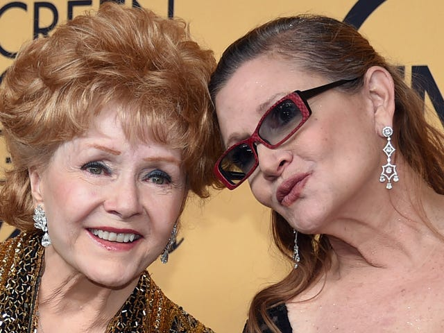 Hollywood Memorabilia Owned By Carrie Fisher and Debbie Reynolds Set to be Auctioned